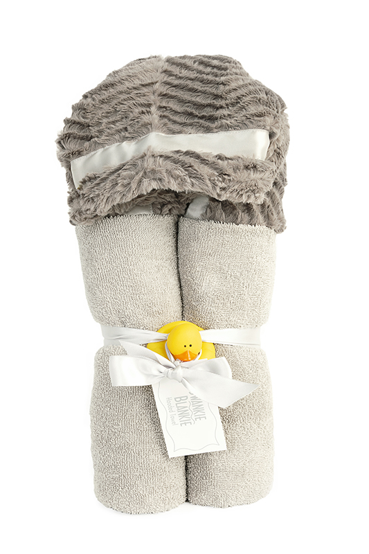 Logan Hooded Towel Graphite